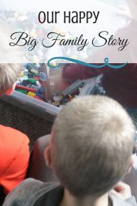 Our Happy Big Family Story What's it like to have five kids? If you like stories about families, read this one.