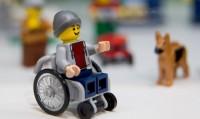 Lego predstavio prvu figuru u invalidskim kolicima