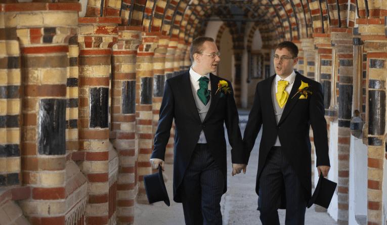 Zagrepčani Ivan i Stjepan imali su vjenčanje kao iz bajke u engleskom dvorcu