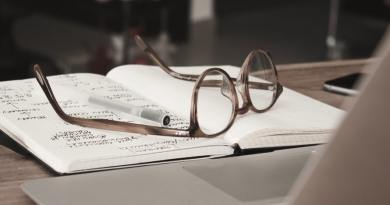 Gorkić je govorio - o onom što je kroz naočale vidio