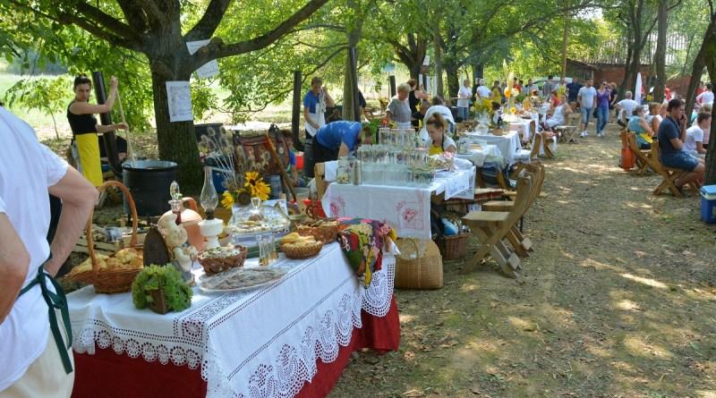 U Vinkovcima održani 5. Dani salaša Tena uz bogati gastronomsko-zabavni program