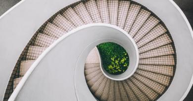 Priče Zmajčeka Pozojčeka: Kako su nastale stepenice?