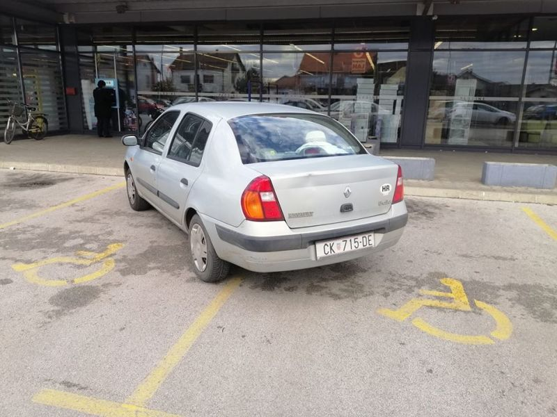 parkiranje a la idiot
