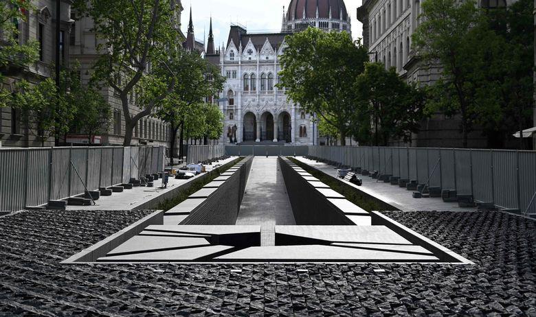 Orban podigao spomenik s popisom 'otetih' mađarskih teritorija, među kojima su i dijelovi Republike Hrvatske