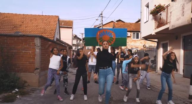 VIDEO: Pretty Loud - prvi bend Romkinja