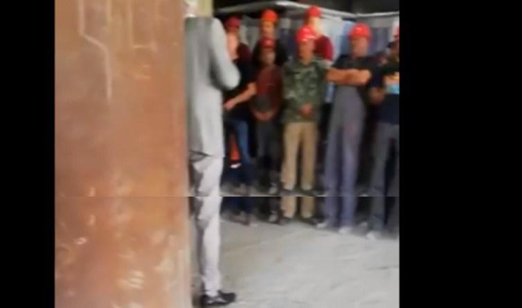 VIDEO: Građevinare uvježbavali kako da plješću Vučiću: 'Evo, ja ću prvi...'