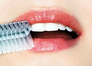 Чтобы улучшить общее состояние губ, необходимо регулярно применять массаж