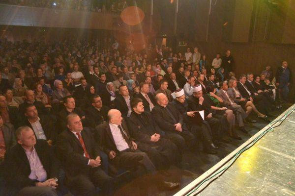 5. Koncert za Novu 1435. hidžretsku godinu u Sisku prava je tradicija i prepoznatljiv je kulturni događaj u Hrvatskoj (FOTOGALERIJA)