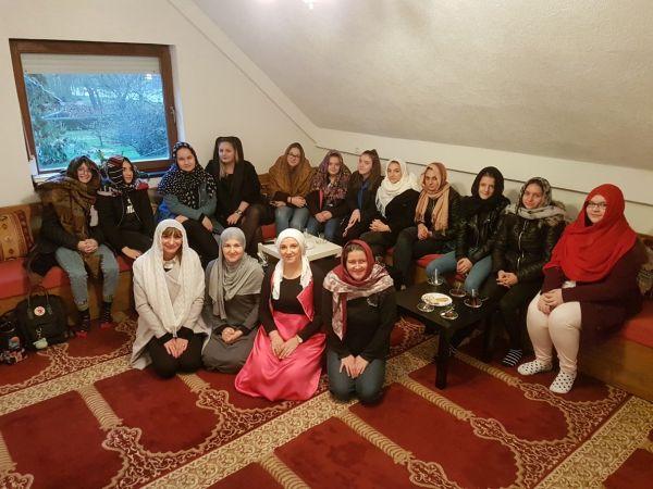 Modni tehničari iz Srednje strukovne škole Sisak posjetili Medžlis i gradilište IKC