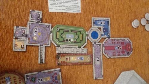 Los castillos del Rey Loco. Pedazo de castillo que lleva el azul!