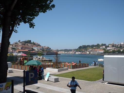 Porto von der anderen Seite des Rio Douro