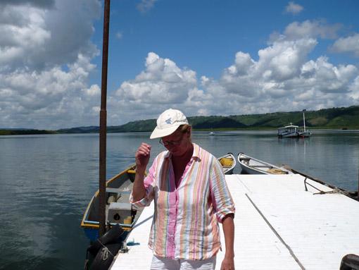 Anne auf dem Jetty von Maragojipe
