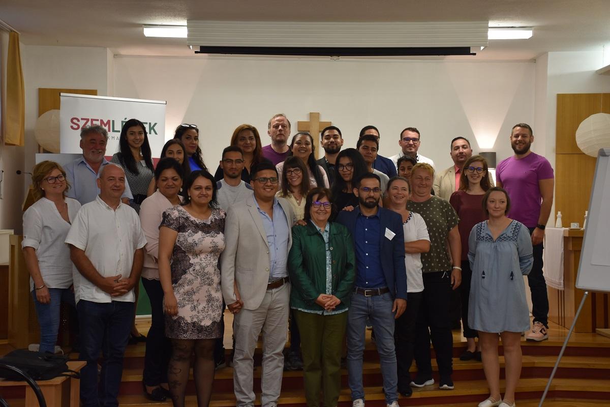 Diplomás roma fiatalok találkozója Nyíregyházán