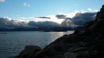 De fjord bij Henningsvær