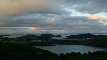 Licht op de bergen aan de horizon