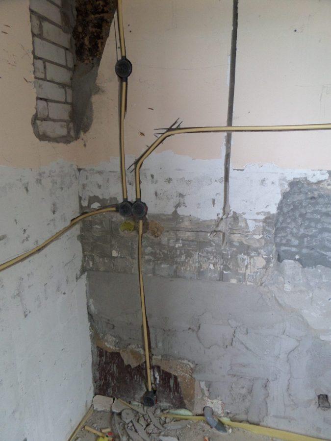44 Een stopcontact in de onderkasten