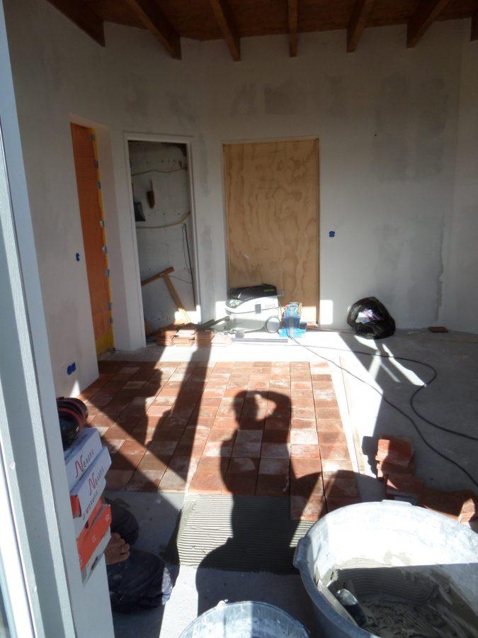 62 De vloer is het laatste grote project, daarna afwerken