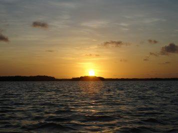 26 De zon gaat onder op Bigi Pan