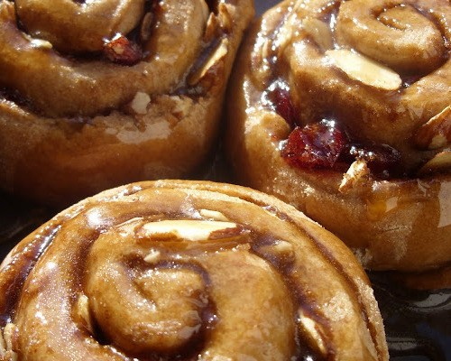 The Betty Crocker Project : Caramel Sticky Rolls