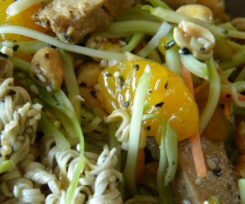 The Betty Crocker Project : Crunchy Vegan Asian Chicken Salad