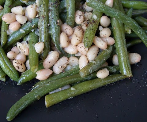 The Betty Crocker Project: Thanksgiving Day Parade #9 : White & Green Beans