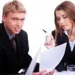 como saber si me conviene trabajar con mi pareja, mejorías y desventajas de trabajar con mi pareja