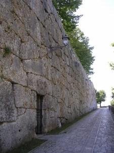"""""""Porta Minore"""" o """"Porta dei Falli"""""""