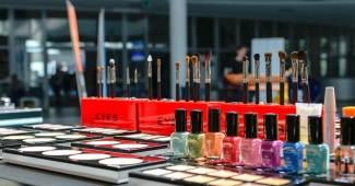 Maquillage - les astuces DIY pour le fabriquer à la maison