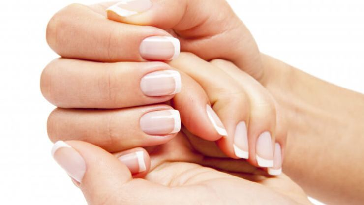 Yellow color in Nail- MegaloPreneur-Magazine