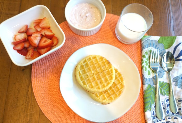 Strawberry Shortcake Waffles for Back to School #EggoBTSTarget [ad]