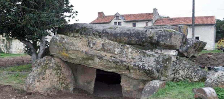 « La place des morts chez les vivants, Architectures, Mémoires et Rituels, de la fin du Mésolithique à l'âge du Bronze »