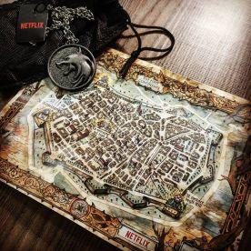 mappa e medaglione