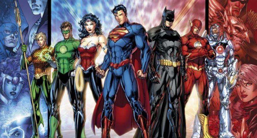 DC Universe - Nuova vita per i supereroi attraverso i WebComic