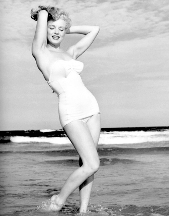 Marilyn by Andre de Dienes in 1949.