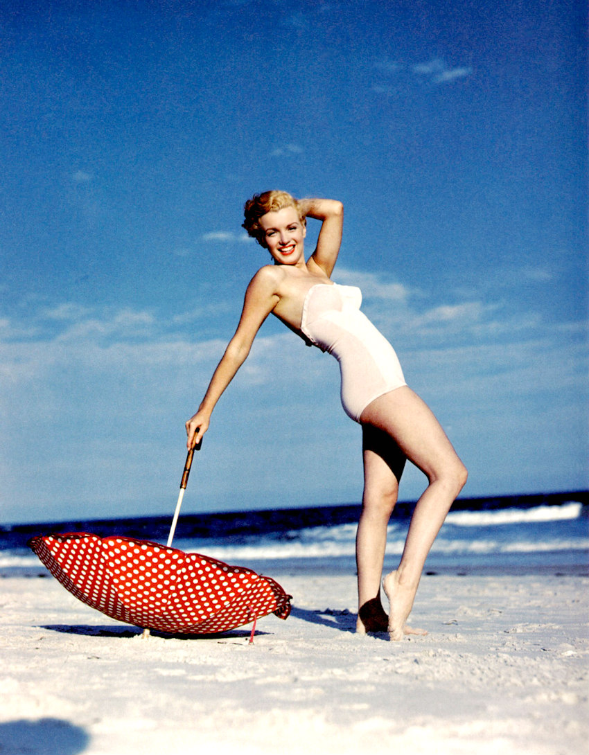 Marilyn photographed on Tobey Beach by Andre de Dienes on July 23rd 1949.