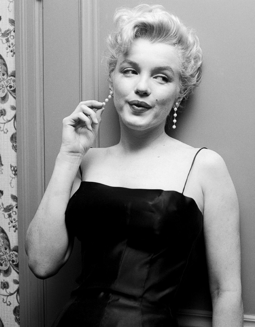 Marilyn photographed by Earl Leaf at a Press Party held for Bus Stop on March 3rd 1956.