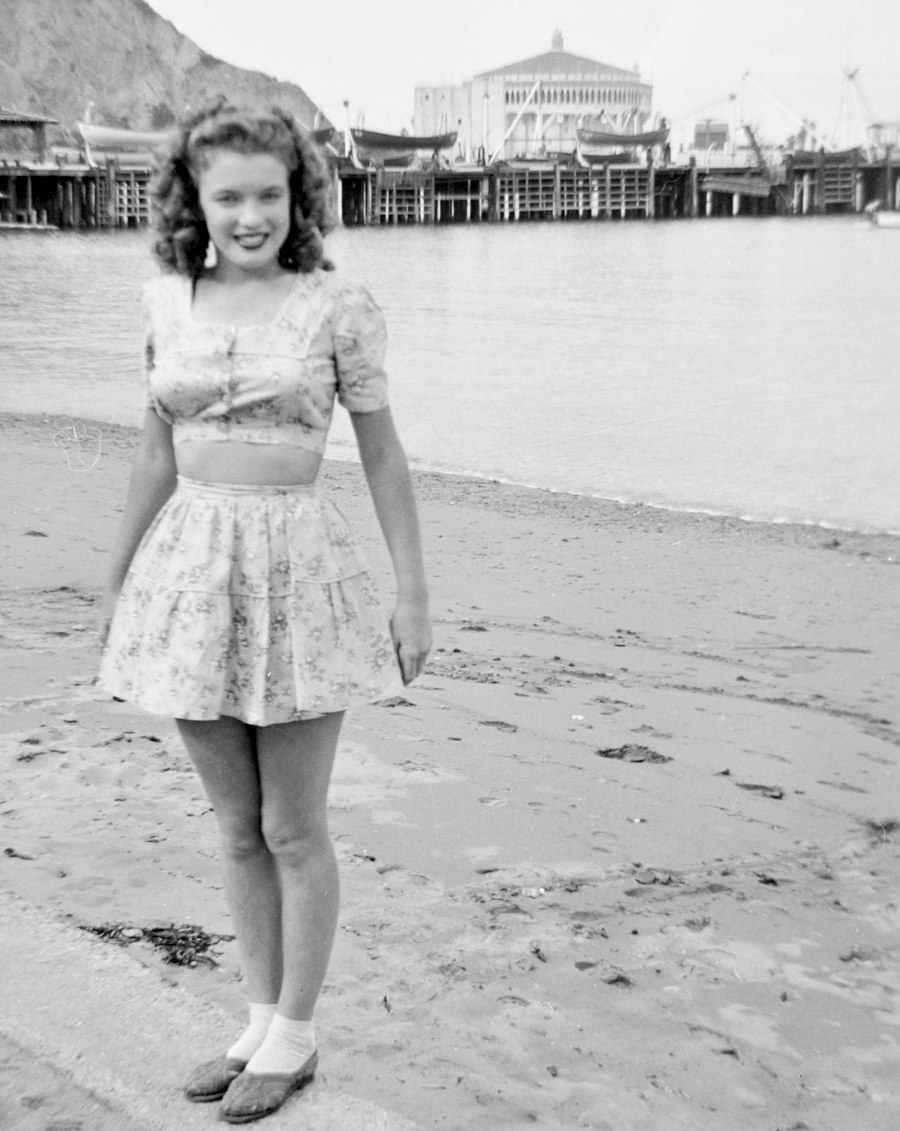 Marilyn visits Catalina Island in 1943.