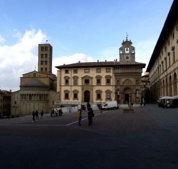 Arezzo Piazza Grande 01