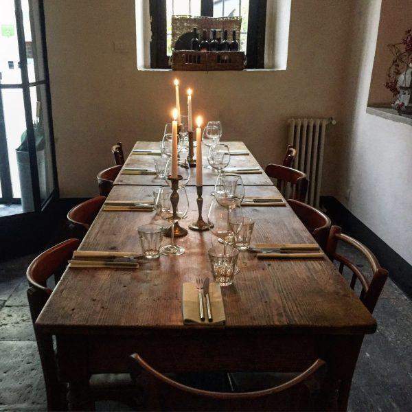 tavolo per pranzo locanda chiaravalle