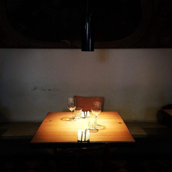 tavolino per pranzo locanda chiaravalle