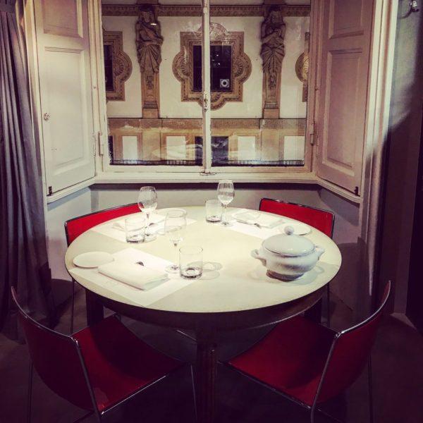 vista galleria a cena spazio milano
