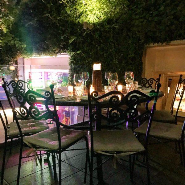 tavolo al ristorante canteen di milano