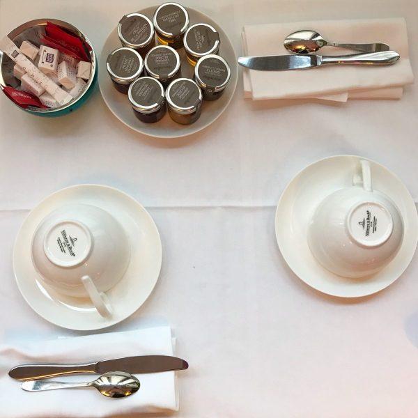 Colazione all'Hotel du Petit MoulinMarais Parigi