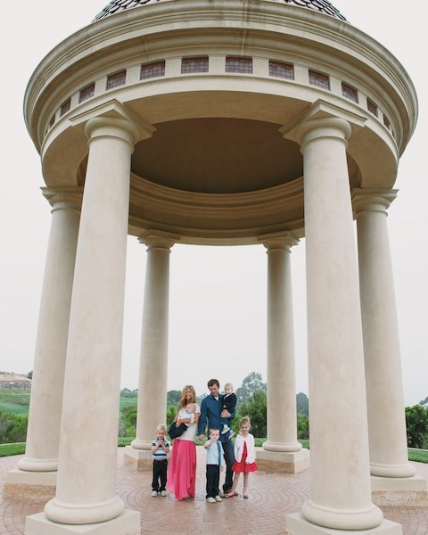 Wallace Family; Pelican Hill; golf course family fun; five kids; gazebo