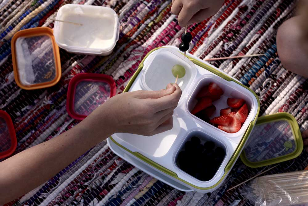 spring time fruit dip; simple snacking with rubbermaid
