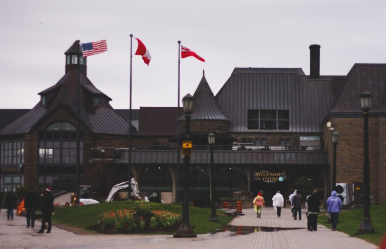 table rock center | horseshoe falls | niagara tourist guide | top instagram worthy locations