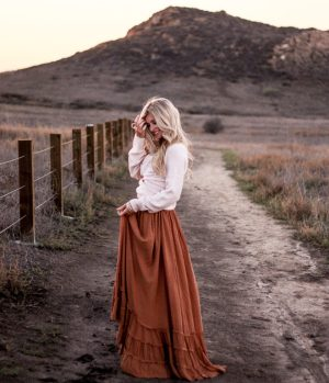 about me photo | Meg Marie Wallace