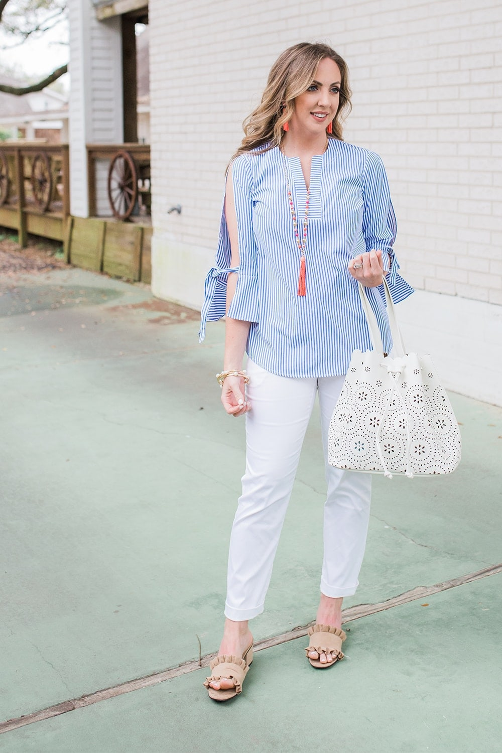 Houston blogger Meg O. on the Go shares a perfect spring outfit from the Avon Modern Southern Belle Collection from Avon