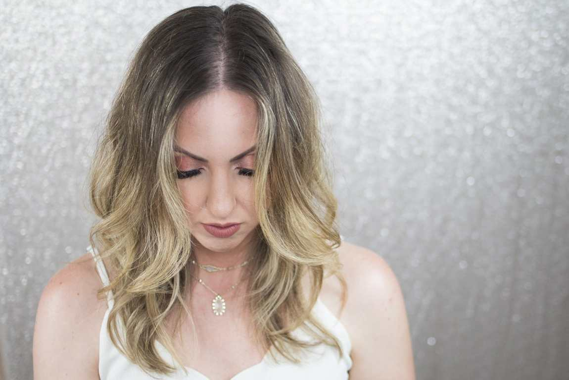 Houston blogger Meg O. on the Go shows how to give yourself a blowout and beachy waves with one tool