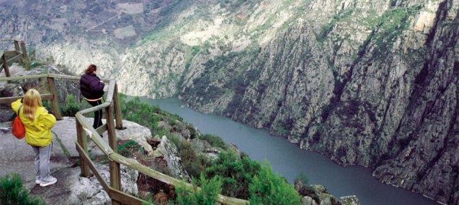 Comienzan las rutas fluviales por la Ribeira Sacra con más de 4.000 reservas